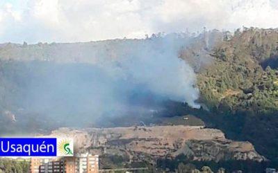 Fuerte incendio forestal en la localidad de Usaquén en el norte de la ciudad de Bogotá